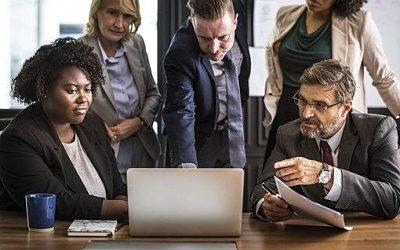 Oficinas call center: controla internamente las llamadas de la empresa