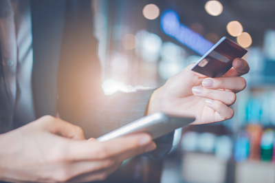 Consejos para pagar con tarjeta por teléfono de forma segura