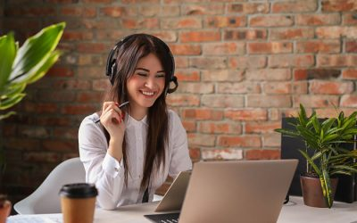 Difference between call center and telemarketing